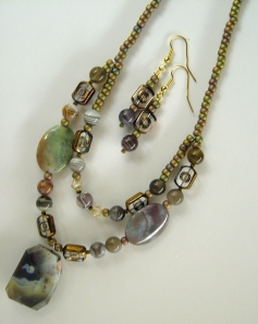 Green stones with gold beads, necklace and earring set #